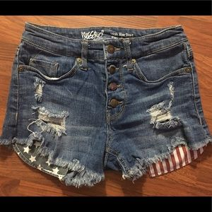 Mossimo distressed high-waisted Americana shorts.